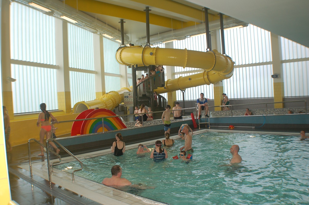 Clydebank leisure centre west dunbartonshire council west dunbartonshire council for Swimming pools with slides north west
